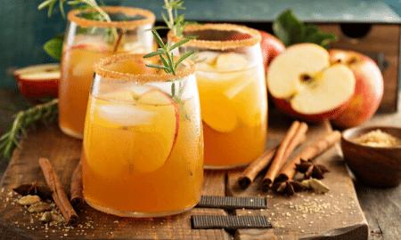 Warm appelsap met gember, sinaas en kaneel