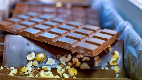 Feit of fabel: wit uitgeslagen chocolade eet je best niet meer op