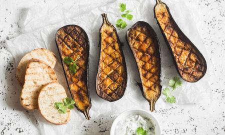 Overheerlijk recept: Gegrilde aubergines met croutons