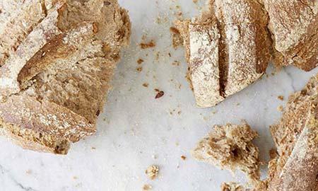 Waar komt het heerlijk brood van BE O Markt vandaan?