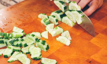 Komkommers moet je schillen: waar of niet waar?