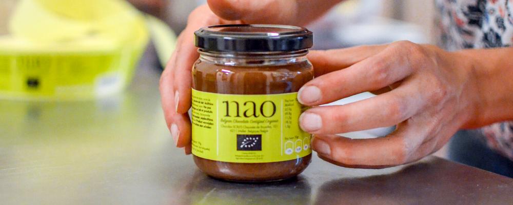 Nao-de-pure-smaak-van-biologische-chocolade-in-bulk-chocoladepasta